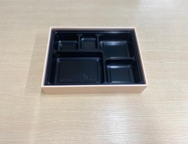 【ご注文可能商品】折箱 秋田杉3.8  258×193×51 共蓋面取中仕切付